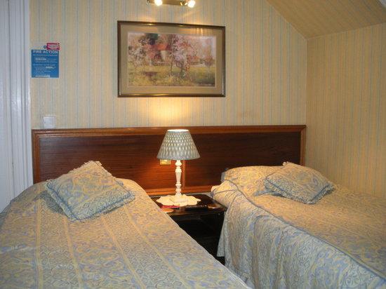 Ach Aluinn Guest House: Standard room, ensuite.