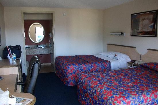 Red Roof Inn Somerset: Zimmer des Motels