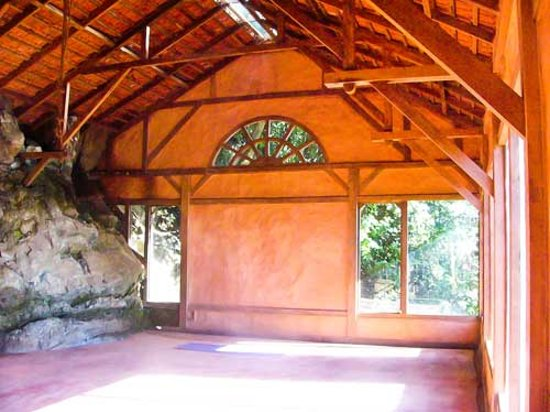 Kodaikanal Yoga Center : Yoga Hall in the Forest