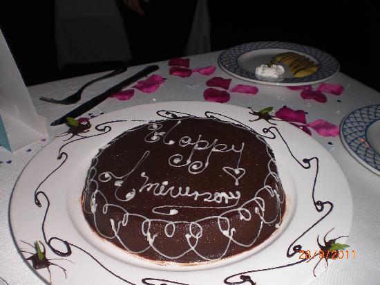 Paradisus Rio de Oro Resort & Spa: our anniversary cake