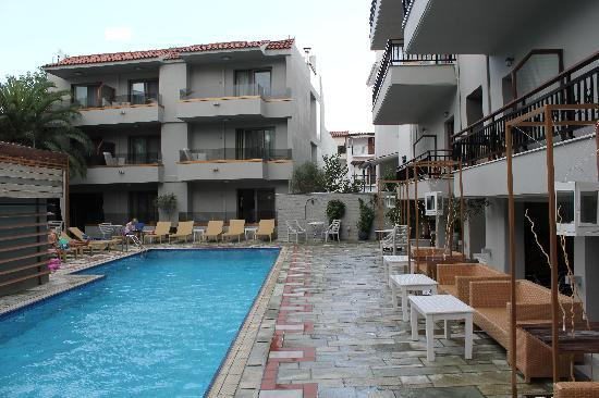 Swimming pool picture of bourtzi boutique hotel for Skiathos town hotels
