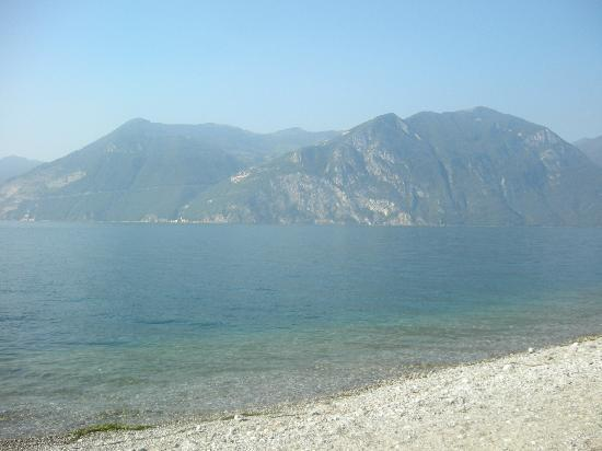 Iseo, Italy: Spiaggia vista Ovest