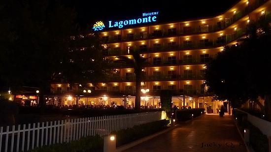 BelleVue Lagomonte: Hotel Lagomonte @ Night