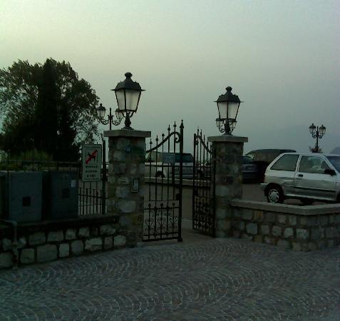 Iseo, Italy: Il cancello di accesso al parco