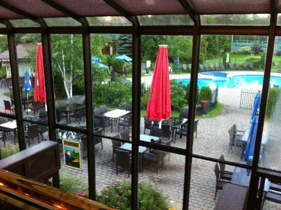 Hotel Mont Gabriel: la terrasse extérieur