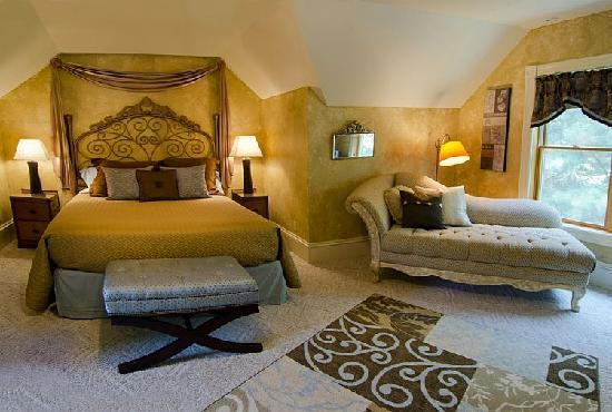 The Miller's Daughter Bed and Breakfast: Johanna's room is perfect for a quiet retreat