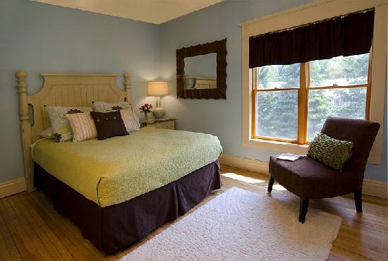 The Miller's Daughter Bed and Breakfast: Ella's room