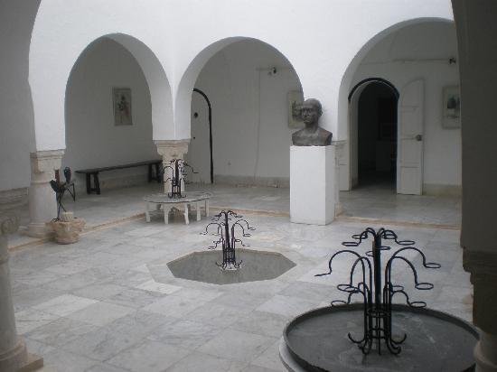 George Sebastian Villa: The Courtyard