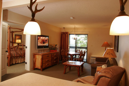Lake Raystown Resort, an RVC Outdoor Destination: Lodge Suite - Building 3