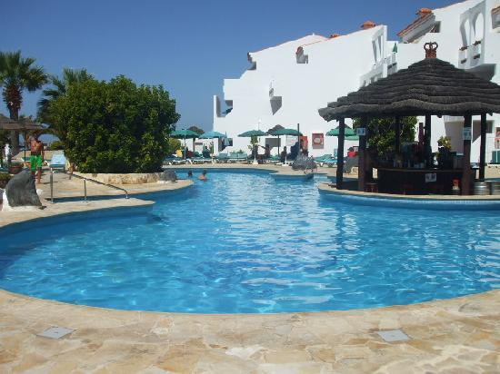 Regency Torviscas Apartments and Suites : The pool area