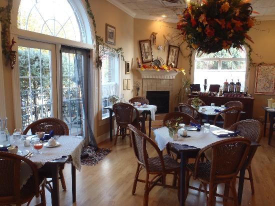 Old Town Guesthouse B&B: Breakfast room