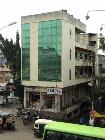 Photo of Hotel Raj Delux Lodging Kolhapur