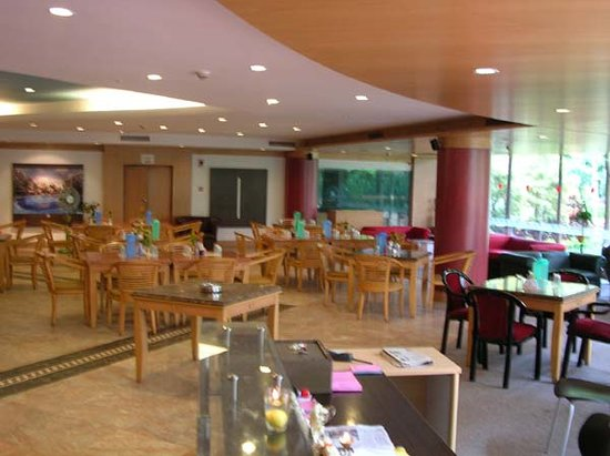 Chalet Diamond: Chalet Serviced Apartments Airport Road