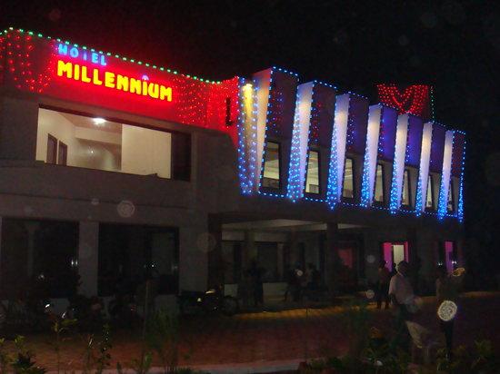 Dakor, الهند: Hotel Millenium