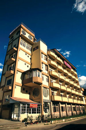 Yamini Hotel