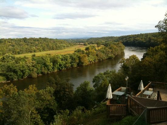 James River Inn: View from our balcony