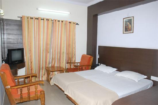 OYO 649 Hotel Ajantha Trinity Inn: Ajanta Trinity Inn Hotel