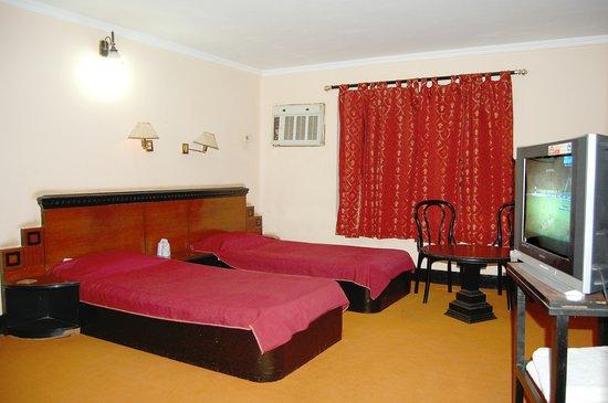Banshori guest house santiniketan west bengal for Guest house on the mount reviews