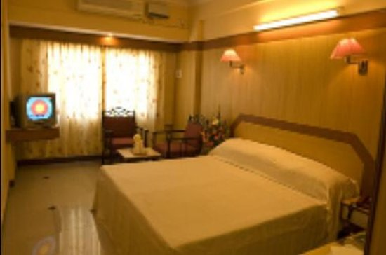 Hotel Sharada Residency & ZO Rooms: Hotel Sharada Residency