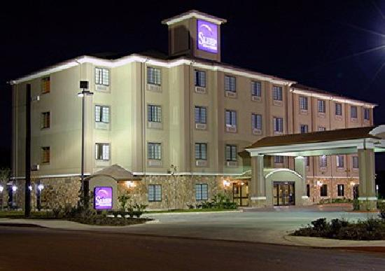 Sleep Inn & Suites at Six Flags: Hotel near Six Flags Fiesta Texas and UTSA