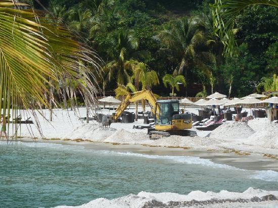 Buccament Bay Resort: Guyanan sand beach transplant!