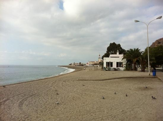 Hotel Embarcadero de Calahonda: Calahonda beach