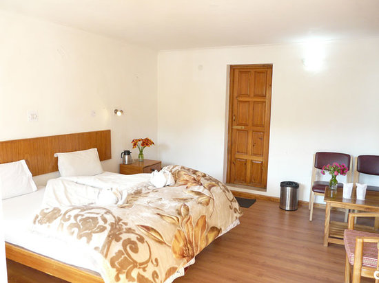 พัดม่า เกสท์เฮ้าส์ & โฮเต็ล: Padma Guest House & Hotel