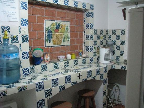 Casa Bertha: Cute kitchenette.