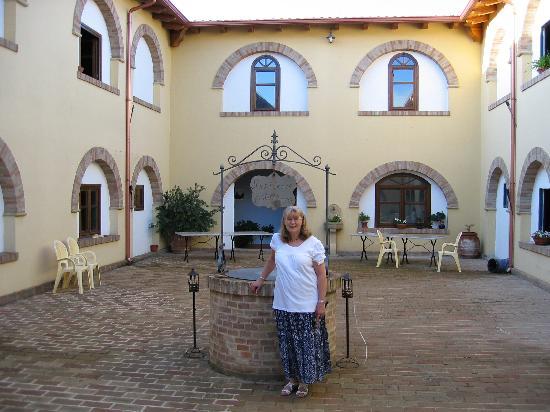 Residence Funtana Noa: Courtyard