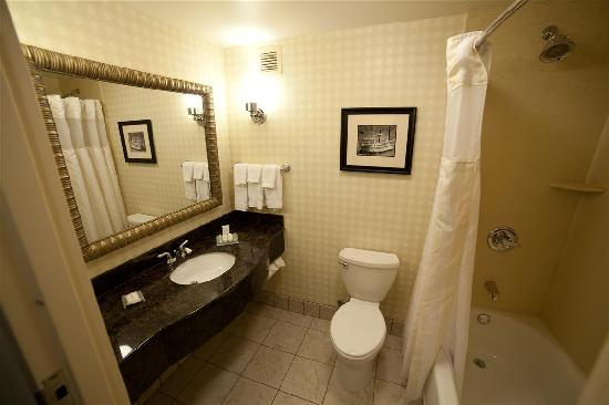 Very Nice Bathroom Picture Of Hilton Garden Inn Cincinnati Blue Ash Blue Ash Tripadvisor