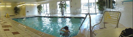Fairfield Inn & Suites Loveland Fort Collins: Pool/hot tub area