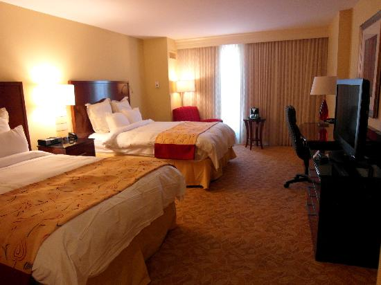 Marriott Macon City Center: Room 507-- very clean and comfortable