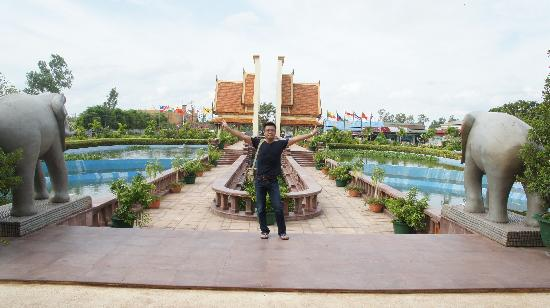 أنجكور إرا هوتل: 前門