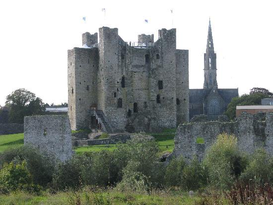 Trim Castle, Meath Tourism - Ireland, Accommodation, Holidays ...