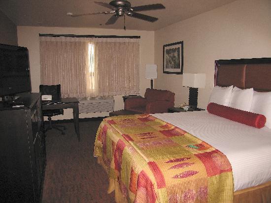 Granzella's Inn: King Rm. #227