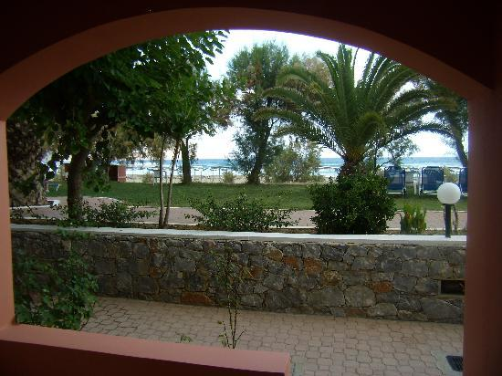 Mare Monte Beach Hotel: Vue de la chambre