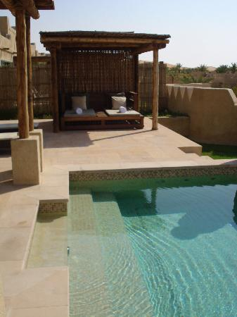 Qasr Al Sarab Desert Resort by Anantara : Jardin privé