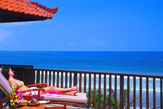 Mercure Kuta Bali: Lay down under the sun
