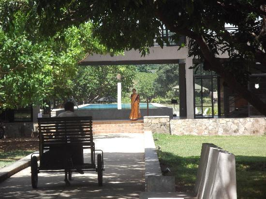 Thilanka Resort and Spa: Enterance to the hotel