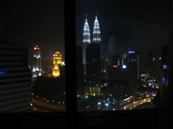 Sheraton Imperial Kuala Lumpur Hotel: Petronas Towers from the hotel
