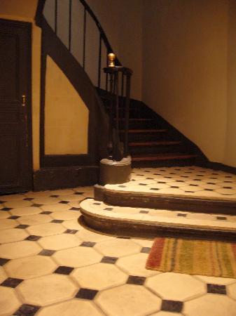 Chambres De La Grande Porte : Escalier de l'immeuble