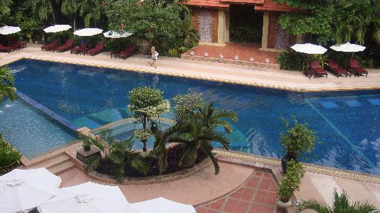 Prince D'Angkor Hotel & Spa: Swimming pool