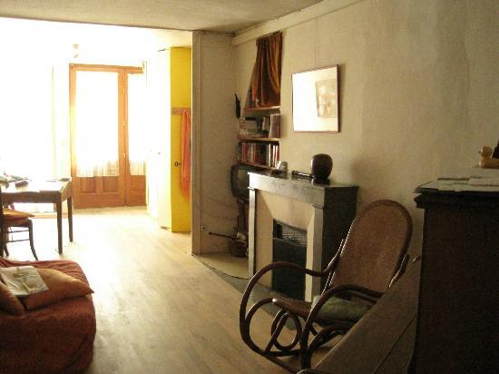Chambres d'hotes en centre ville de Die: The hostel entrance