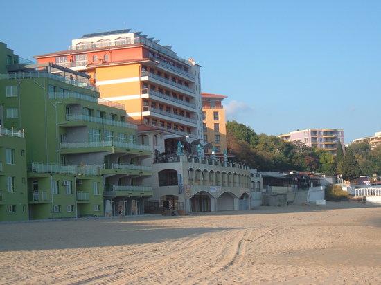 Mirage of Nessebar : hotel from beach
