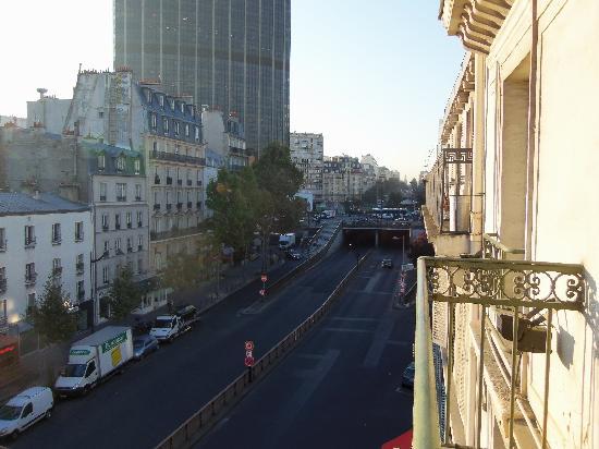 Ibis Paris Tour Montparnasse 15ème : not much of a view