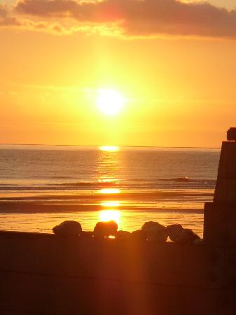 Tywyn, UK: Sunset on the beach