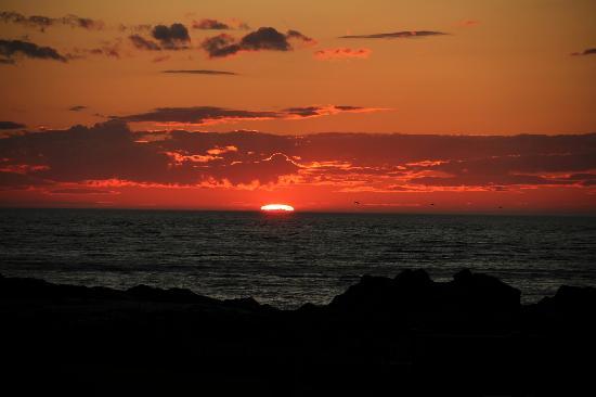Chaque soir un beau coucher de soleil photo de les for Trouver un hotel ce soir