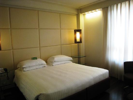 Hilton Florence Metropole: Bed