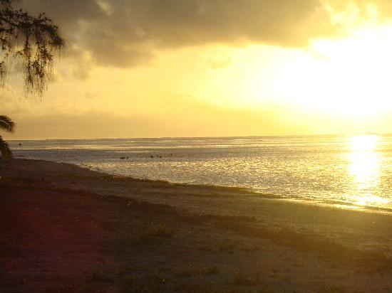 Are-a-Matatui: Just another Aitutaki sunset