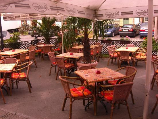 Pension Unicat: outdoor dining area